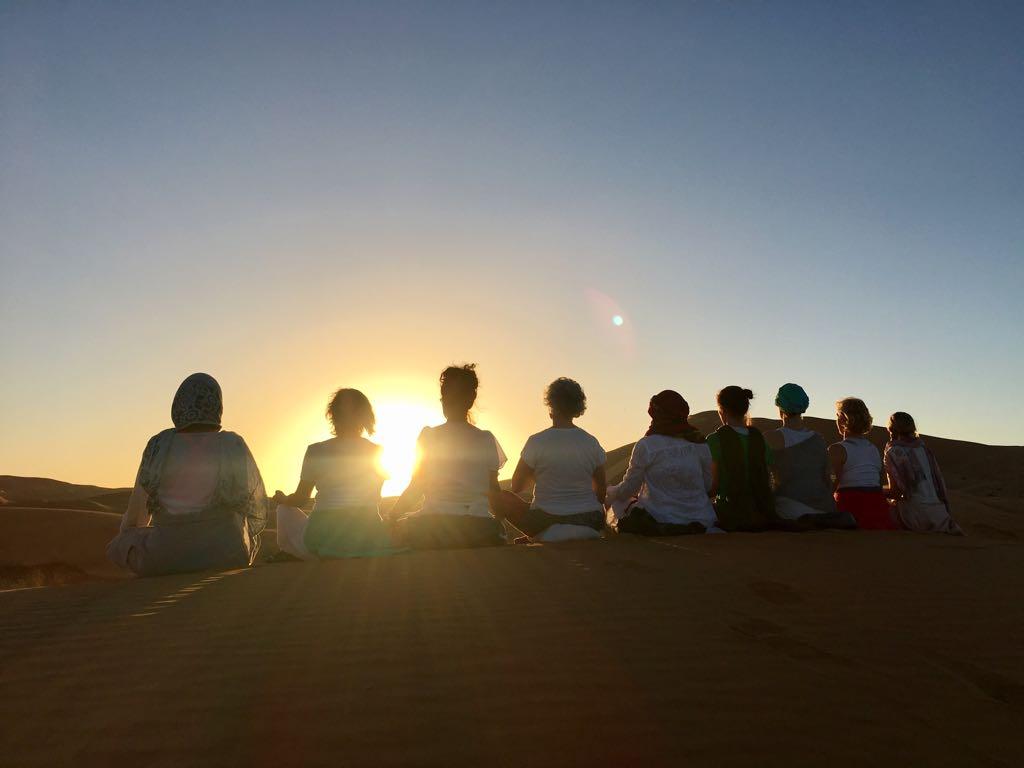 Yoga in der Wüste Marokkos